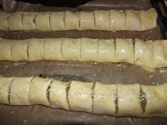 Puff Pastry Recipes, I Feel Good, Sweets Recipes, Carne, Sausage, Bacon, Stuffed Mushrooms, Meat, Food