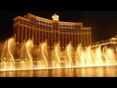 Bellagio Fountains: Schedule, Songs, and Fun Facts 2017 - Vegas Food & Fun Las Vegas Resorts, Vegas Fun, Best Resorts, Las Vegas Nevada, Pool Landscaping, Amazing Architecture, Water Features, Places To See, National Parks