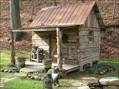 Little Cabin in the woods. Small Log Cabin, Little Cabin, Tiny House Cabin, Log Cabin Homes, Little Houses, Tiny Houses, Guest Houses, Old Cabins, Tiny Cabins