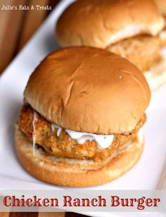 Chicken Ranch Burger ~ Mix up your life with this yummy grilled burger! via www.julieseatsandtreats.com #burger #recipe