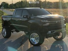 This 2019 Chevrolet Silverado 1500 is running American Force Trax Ss wheels Nitto Trail Grappler tires with Full Throttle Suspension Suspension Lift suspension. Lifted Chevy Trucks, Chevy Pickups, Chevrolet Trucks, Pickup Trucks, Chevy 4x4, Custom Chevy Trucks, Old Ford Trucks, Diesel Trucks, Silverado Truck