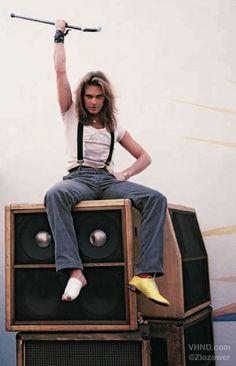 Broke that foot jumping splits in air. Alex Van Halen, Eddie Van Halen, Big Hair Bands, David Lee Roth, 80s Rock Bands, Black Sabbath, Poses, Rock Music, Music Music