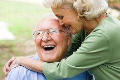 Isto é interessante! Os cientistas descobriram que a maioria dos centenários e suas famílias têm dentes fortes e gengivas saudáveis.
