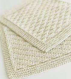 Billedresultat for babytæpper Knitted Washcloths, Knit Dishcloth, Baby Knitting Patterns, Free Knitting, Crochet Patterns, Drops Design, Needlework, Free Pattern, Knit Crochet