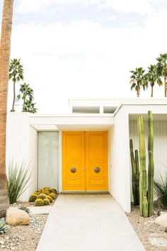 Instagram Tour of Palm Springs and her Midcentury Modern Doors // Salty Canary