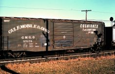 GMO 57076 50' Boxcar Gulf Mobile & Ohio Railroad Series: Builder: Pullman-Standard Acquired: History: Renumbered: Retired: Photograp... Train Car, Train Tracks, Rr Car, Railroad Pictures, Railroad History, Rolling Stock, Model Trains, Locomotive, Illinois