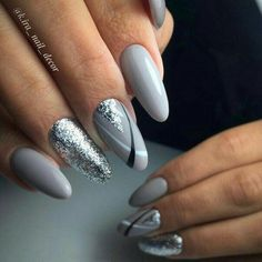 Nail art Christmas - the festive spirit on the nails. Over 70 creative ideas and tutorials - My Nails Nagellack Design, Nagellack Trends, Grey Nail Designs, Acrylic Nail Designs, Perfect Nails, Gorgeous Nails, Amazing Nails, Stylish Nails, Trendy Nails