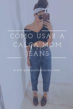 A calça mom jeans fez muito sucesso nos anos 90 e voltou com tudo em 2018. Toda fashion girls PRECISA ter uma! Clique no link e saiba como usar #momjeans #vintage #fashionbloggers #fashionistas #moda Ripped Jeggings, Ripped Knee Jeans, High Waist Jeans, Boyfriend Jeans, Mon Jeans, Camouflage Jeans, Trendy Swimwear, Colored Denim, Jean Outfits