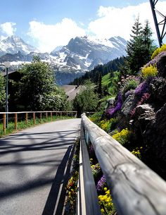 Hike from Murren to Gimmewald in Lauterbrunnen Valley, Switzerland (by mforder).