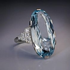 circa 1940 This Art Deco era vintage white gold ring features a sparkling oval cut aquamarine flanked by diamond-set stepped shoulders. Antique Rings, Vintage Rings, Antique Jewelry, Vintage Jewelry, Art Deco Jewelry, Fine Jewelry, Jewelry Design, Aquamarine Jewelry, Diamond Bracelets