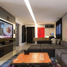 Facho de luz.  #arquitetandoideias #arquideias #decor #design #interiores #lights #lightingdesign #projeto #arquitetura