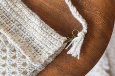 Boho Crochet Fringed Bag por MamaInAStitch en Etsy