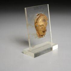 Baule Peoples, gold mask pendant ex-Paul Guillaume - Jun 04, 2020 | Millea Bros Ltd in NJ Garnet Pendant, Wire Pendant, Gold Pendant, 14k Gold Jewelry, 14k Gold Chain, Modern Jewelry, Vintage Jewelry, Tragedy Mask, St Christopher Pendant