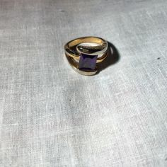 Amethyst Statement Ring Amethyst colored statement ring. Size: 7 1/2. Gorgeous piece of jewelry. 🚫No trades🚫 Jewelry Rings