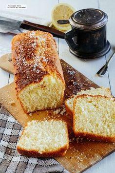 Bizcocho de coco y limón. Receta fácil Sweet Recipes, Cake Recipes, Dessert Recipes, 1234 Cake, Indian Cake, Bunt Cakes, Pan Dulce, Bread Cake, Sweet Bread