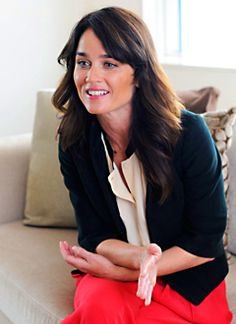 Photo of Robin Tunney is Japan for fans of The Mentalist.