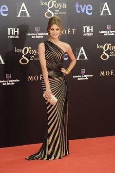 Todas las imágenes de alfombra roja y celebrities de los Premios Goya 2013: Amaia Salamanca de Zuhair Murad