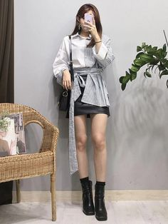 Style skirt outfits like you would be comfortable wearing it skirt lenght wise. Style skirt outfits like you would be comfortable wearing it skirt lenght wise. Korean Girl Fashion, Korean Fashion Trends, Korean Street Fashion, Ulzzang Fashion, Korea Fashion, Kpop Fashion, Cute Fashion, Asian Fashion, Daily Fashion