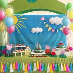 Today I'll share with you the best ideas from 3 year old girl theme parties, as well as ideas from decoration birthday girldecoration birthday girl 3 Third Birthday, 4th Birthday Parties, Birthday Party Decorations, Party Themes, Theme Parties, Peppa E George, George Pig Party, Fiestas Peppa Pig, Cumple Peppa Pig
