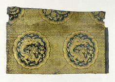 Yuan Dynasty. Textile with dragons and phoenixes. Silk and gold thread lampas. The Metropolitan Museum of Art.