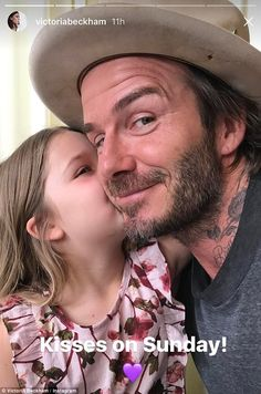 Harper Beckham plants a kiss on dad David's cheek David Beckham Family, David Beckham Style, David And Victoria Beckham, Victoria Beckham Target, Harper Beckham, Style Finder, Aesthetic Boy, Fathers Love, Daddys Girl