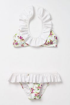 an adorable floral & ruffled #Anthropologie swimsuit featured on laviedelenore.blogspot.com!