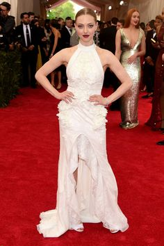 Amanda Seyfried was of my absolute favorites of the night. I would literally get married all over again to wear this Givenchy dress.