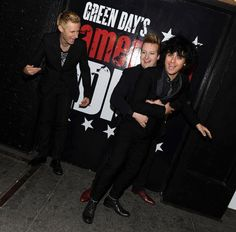 Mike Dirnt, Tré Cool and Billie Joe Armstrong of Green Day meet fans at an in-store signing in New York City on October When I Come Around, Green Day American Idiot, Green Day Billie Joe, Good Riddance, Billie Joe Armstrong, Curtain Call, Day Of My Life, Lady And Gentlemen, Rolling Stones