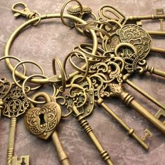 12 Large Skeleton Keys and 4 Lock On A Big Ring Antique Brass image 0 Skeleton Key Crafts, Skeleton Keys, Antique Rings, Antique Brass, Antique Hardware, Unique Key, Under Lock And Key, Knobs And Knockers, Door Knobs