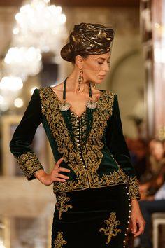 Les karakous de Rym Menaïfi font sensation à Marrakech pour l'Oriental Fashion Show 2017 – Dziriya.net