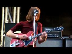 """ THE MOODY BLUES -- Live At The Isle Of Wight Festival -- 1970.avi "" !... http://youtu.be/vRuMgs4b1qk"