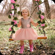 Girl birthday dress, photo ideas for family photos, princess girl dress