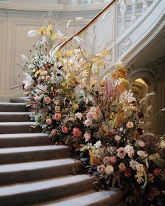 sure, we've heard of the stairway to heaven...but what if the stairway is heaven? 🤔 flowers by Jamjar Flowers, photo by Emilie White Photography Creative Wedding Photography, White Photography, Stairway To Heaven, Alternative Wedding, Stairways, Floral Wreath, Holiday Decor, Modern, Flowers