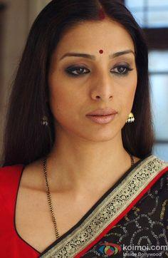 Bollywood Actress Hot Photos, Bollywood Celebrities, Bollywood Fashion, Hollywood Actress Wallpaper, Hollywood Actress Name List, Beautiful Indian Actress, Beautiful Actresses, Aunty In Saree, Hollywood Pictures