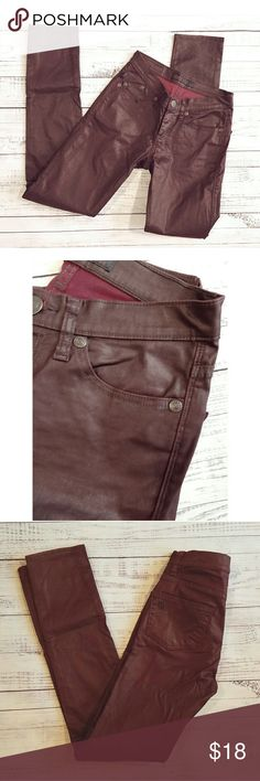 Rock and Republic Berlin maroon pants Lightly worn 8 inch rise  31.5 inch inseam 14 inch waist while laying flat  Cotton spandex Rock & Republic Jeans Skinny