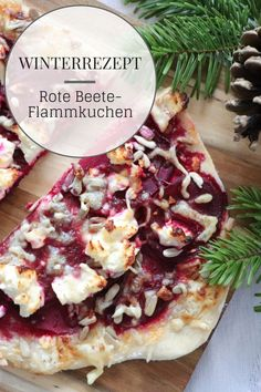 Flammkuchen recipe: beetroot can be processed in a variety of ways. Beetroot tarte flambée is a delicious and healthy winter recipe. Process the beetroot fresh is no problem here. The beetroot recipe combined with sheep& cheese tastes really delicious. Thanksgiving Appetizers, Healthy Appetizers, Appetizer Recipes, Healthy Snacks, Dinner Recipes, Healthy Recipes, Aperitivos Vegan, Clean Eating Recipes, Cooking Recipes