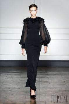 Dilek Hanif – Haute Couture Fall Winter – Shows – Vogue.it Dilek Hanif – Haute Couture Fall Winter – Shows – Vogue. Couture Mode, Couture Fashion, Runway Fashion, Look Fashion, Fashion Show, Fashion Design, Gq Fashion, Trendy Fashion, Fall Fashion