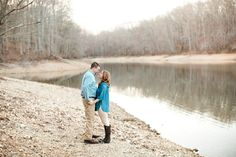 Engagement-photos-on-lake-near-chattanooga_0019(pp_w768_h512) Tennessee Lakeside Engagement Session on Tim's Ford Lake