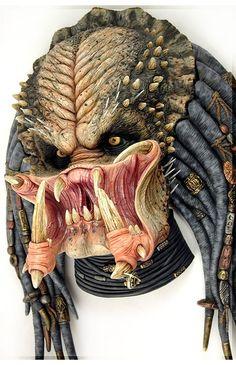 Predator Costumes, Models, Kits and Collectibles Wolf Predator, Predator Movie, Alien Vs Predator, Horse Drawings, Scary Drawings, Predator Costume, Koi Tattoo Design, Kratos God Of War, Star Wars Drawings