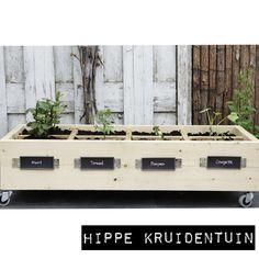 Een hippe kruidentuin steigerhout. Voor op het balkon, in de tuin of dakterras! ook leuk voor op kantoor of kinderdagverblijven/BSO.