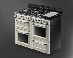 THE NEW 'VICTORIA' TRADITIONAL RANGE COOKER BY SMEG