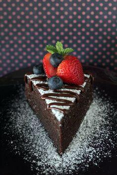 NO-CUIRE Chocolate Cake - Moist, doux, et le gâteau au chocolat MOST décadente recette jamais, parfait pour V Day !!!  |  rasamalaysia.com