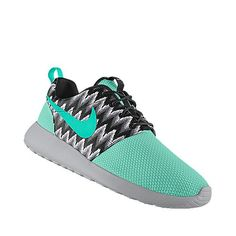 Customized Roshe Runs!<3 in love!!