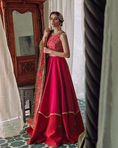 Asian Wedding Dress Pakistani, Pakistani Fashion Party Wear, Indian Wedding Outfits, Pakistani Outfits, Indian Outfits, Muslim Fashion, Indian Fashion, Latest Bridal Lehenga Designs, Designer Bridal Lehenga