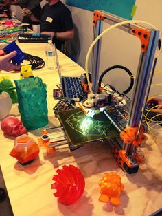 3D printing at the LA Makerspace – For makers, tinkerers and DIYers of all ages