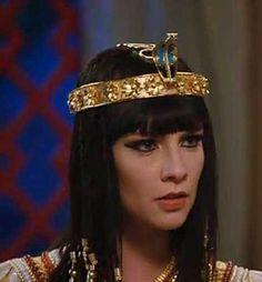 Nefertari Os dez mandamentos coroa de serpente entenda.