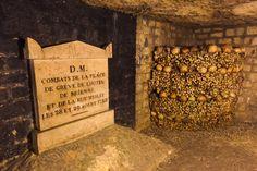 Οι Κατακόμβες του Παρισίου (Catacombes de Paris) , Παρίσι, Γαλλία, Ευρώπη Catacombs, Rue, Texture, Crafts, Catacombs Paris, Surface Finish, Manualidades, Handmade Crafts, Craft