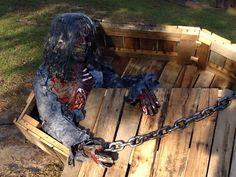 vampira with coffin halloween prop halloweeeeeeeeeeen pinterest halloween decorations love and decoration
