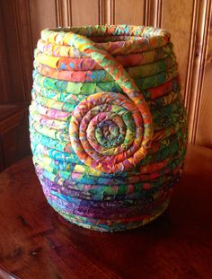 Fabric coiled pot with spiral in multi-colored by JustJenniferB Fabric Bowls, Fabric Yarn, Fabric Scraps, Rope Basket, Basket Weaving, Rideaux Boho, Mundo Hippie, Sewing Crafts, Sewing Projects