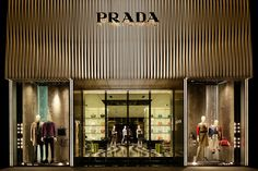 Prada flagship store by Roberto Baciocchi, Osaka Japan store design Retail Store Design, Retail Shop, Retail Facade, Retail Architecture, Facade Lighting, Luxury Store, Showroom Design, Interior Design, Boutique Interior